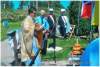 Incense bearer Ernie Wasylyshen assists Rev. Oleg during prayer service while Knights of Columbus serve as Honorary Guard.